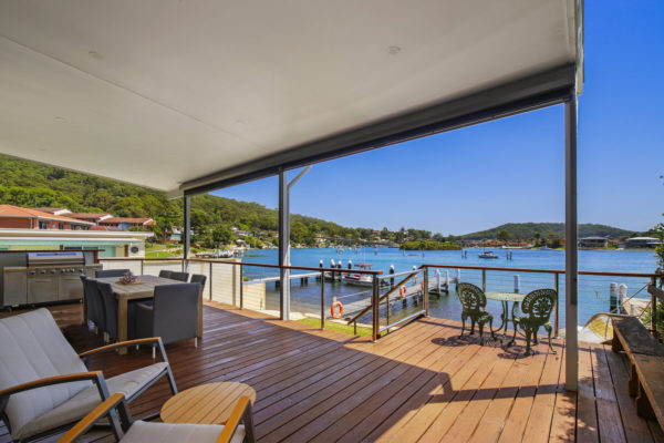 Daleys Absolute Waterfront - Private Boat Jetty & Pet Friendly
